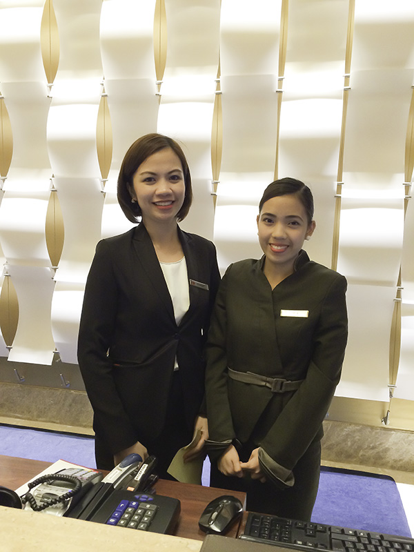 These lovely ladies let me know that we would be able to avail of the special services of the Executive Lounge.