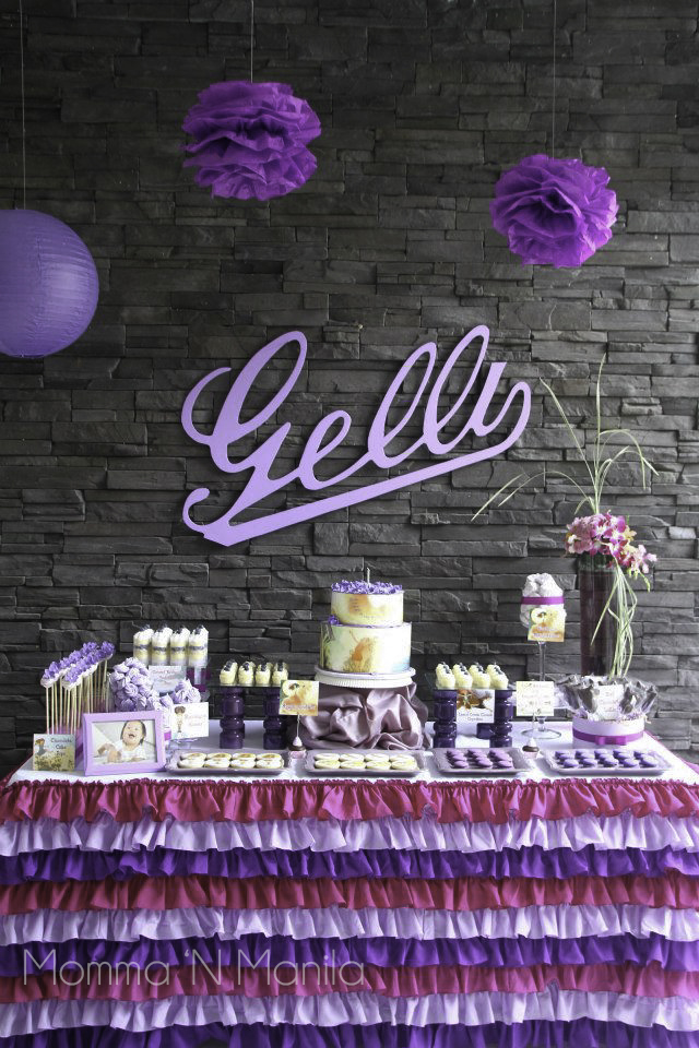 Aside from preparing appetizers, you can create a dessert buffet which is something that your guests will look forward to as well. This dessert buffet was a collaboration by my friend Vangie, Gelli's Ninang - Dianna, Joanna from Cuppy Puppy, and myself.